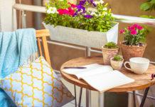 Lampy i lampiony - idealna ozdoba balkonu