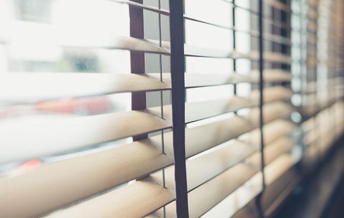 Co zamiast firan, czyli jak oryginalnie udekorować okna?
