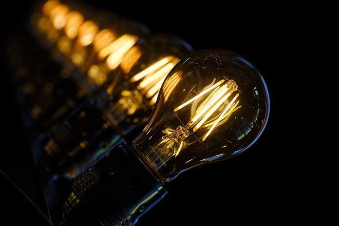 Agregaty prądu – podpowiadamy na co zwrócić uwagę przy zakupie